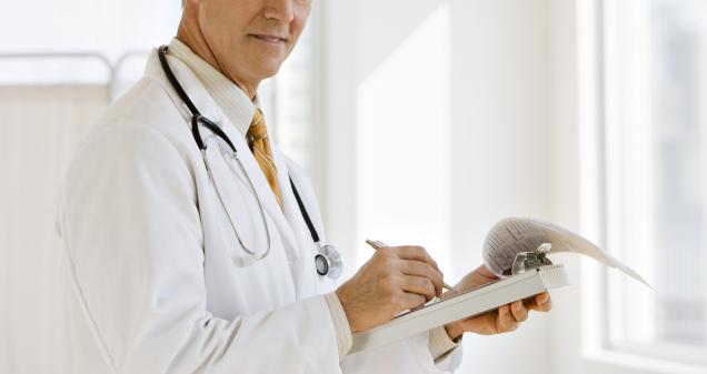 Planos de saúde pedem laudo de exames para pagar reembolso